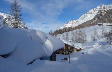 Ciaspolata al Villaggio - Guide Trek Alps - Viaggi in Natura nel Mondo